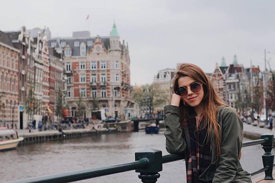 KLM oferece gratuitamente dispositivo com dicas sobre Amsterdã a seus passageiros